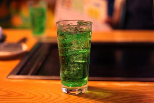 Un bon soda au melon pour faire descendre les tonnes d'Okonomiyaki de chez Sakuratei