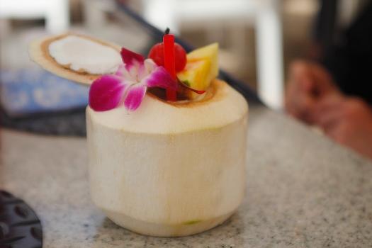 Pina Colada dans une véritable noix de coco, parfait !