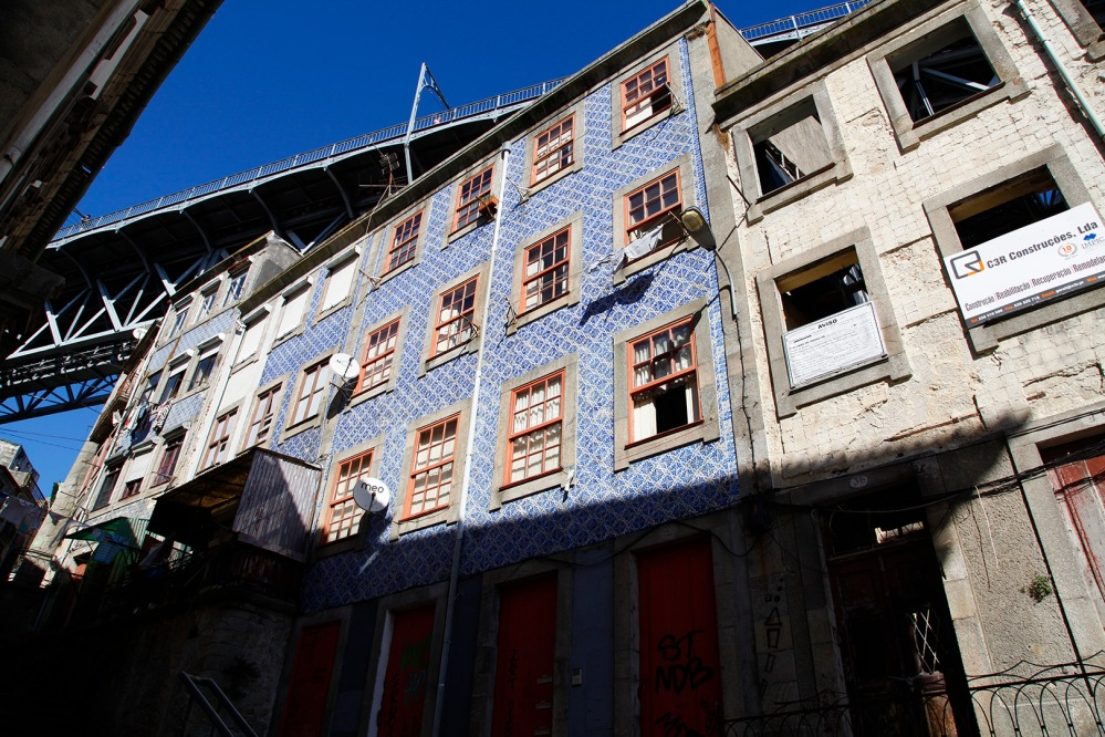 focus-aventure-julia-laffaille-porto-portugal-azulejos