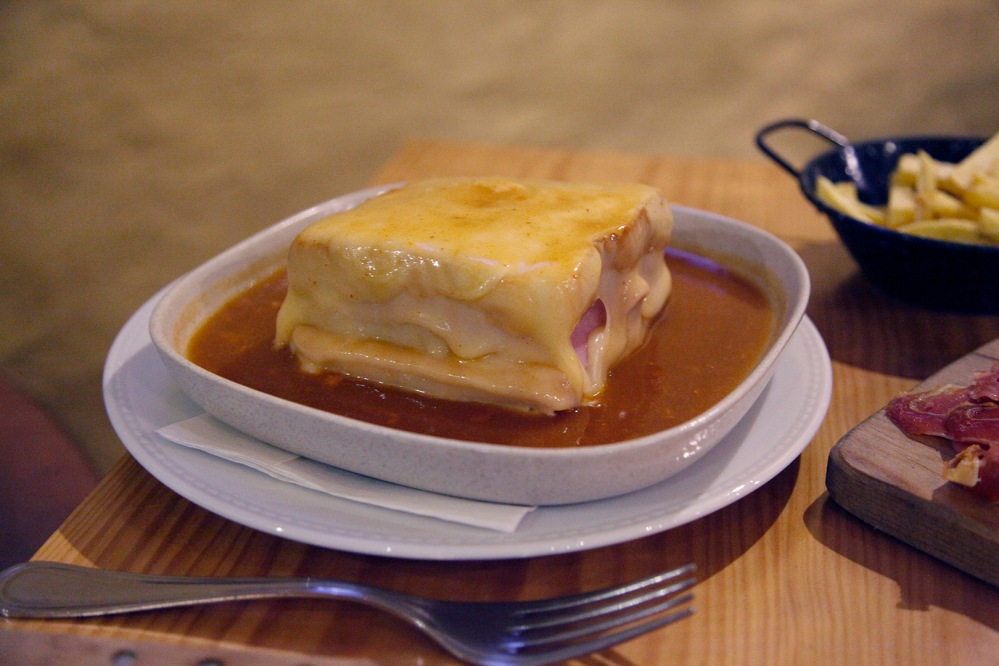 focus-aventure-julia-laffaille-porto-portugal-dourum-francesinha