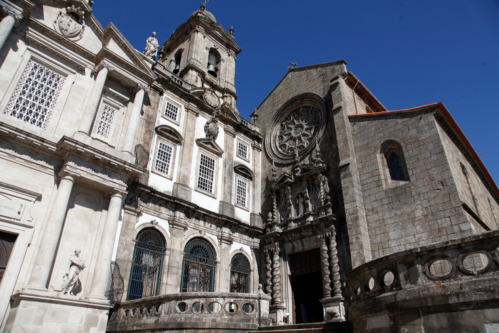focus-aventure-julia-laffaille-porto-portugal-igreja-sao-francisco