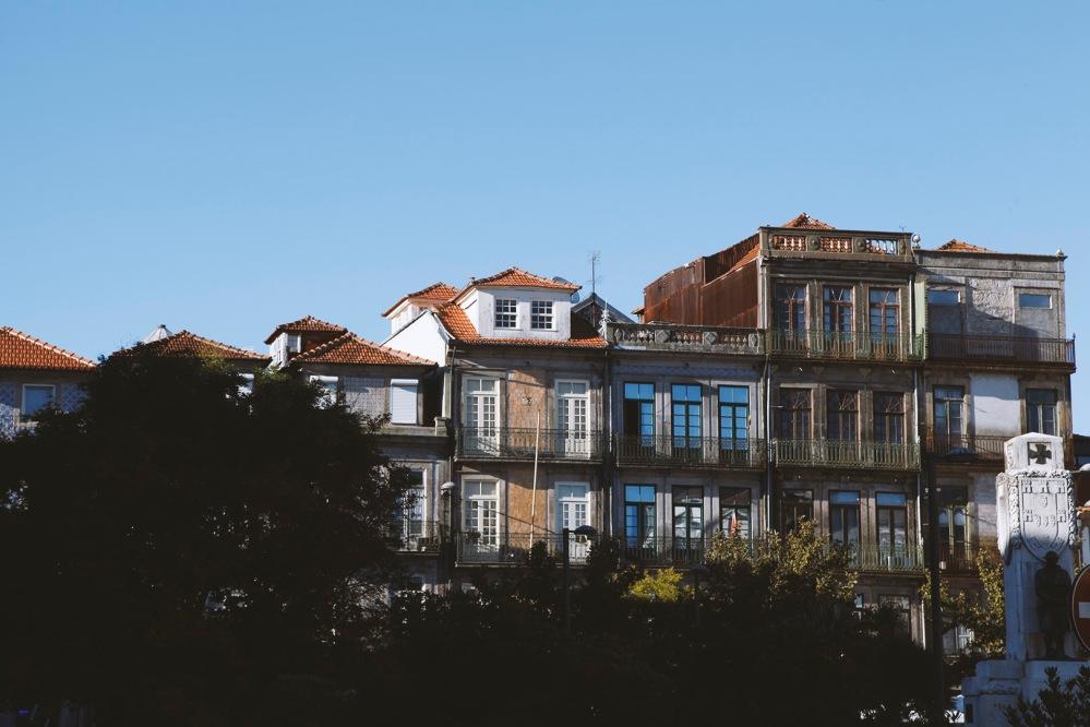 focus-aventure-julia-laffaille-porto-portugal-praca-carlos-alberto