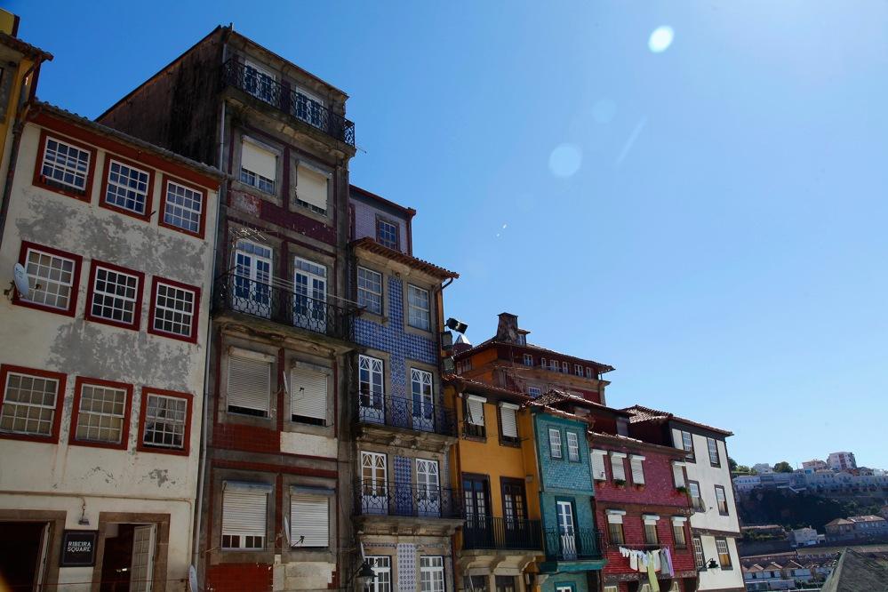 focus-aventure-julia-laffaille-porto-portugal-praca-de-ribeira-maison