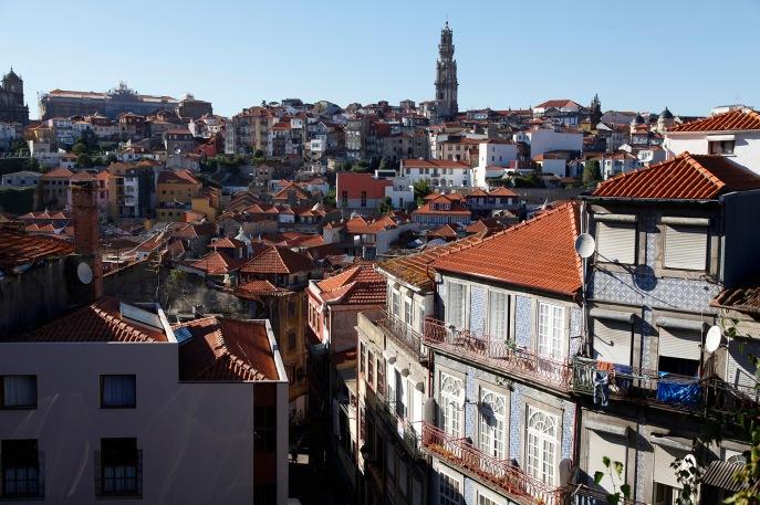 Vue sur la ville depuis la terrasse de la Cathédrale Sé