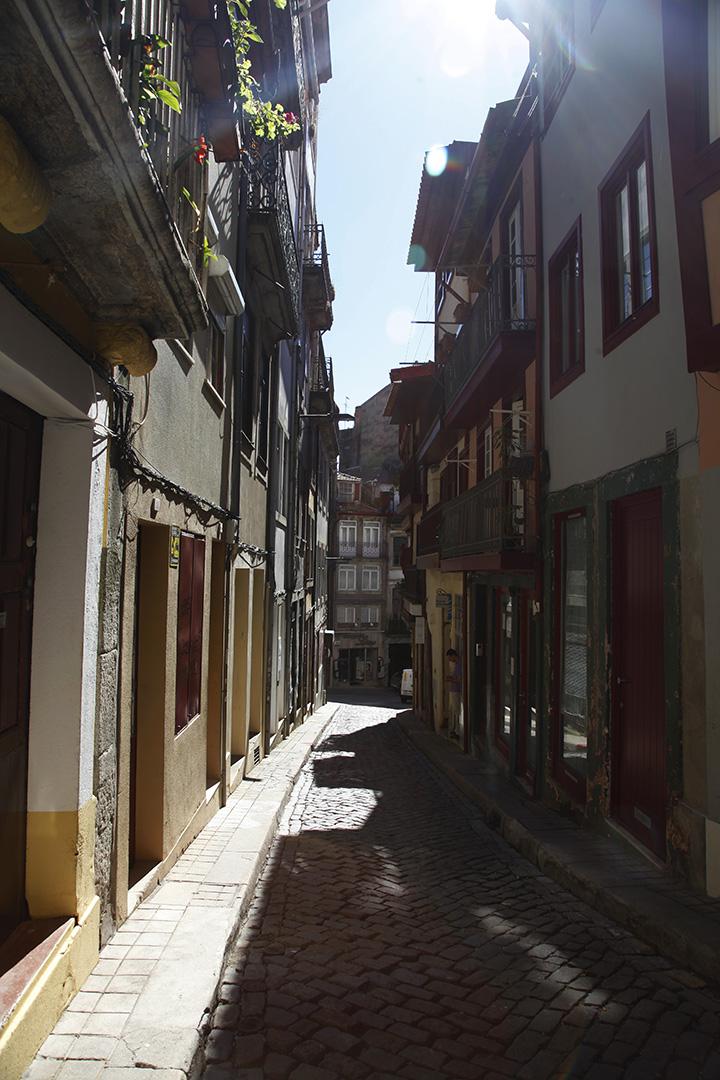 focus-aventure-julia-laffaille-porto-portugal-rue-paysage-aliados-bolhao