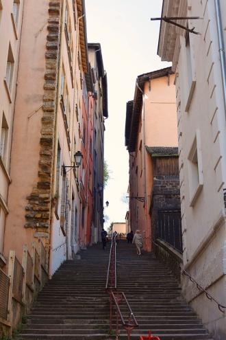 julia-laffaille-focus-aventure-vieux-lyon-rue