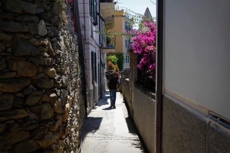 julia-laffaille-focus-aventure-cinque-terre-italie-corniglia-rue