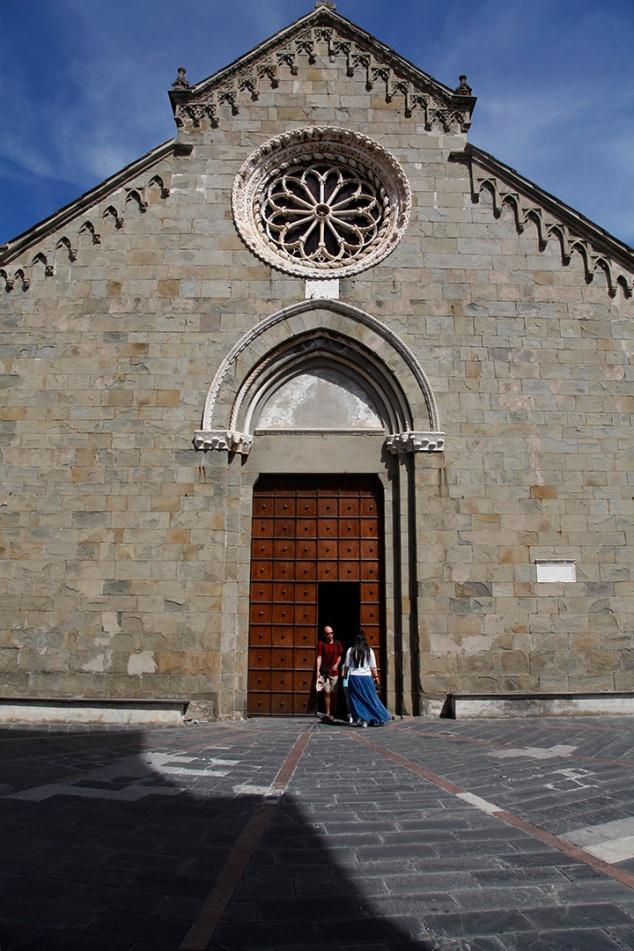 julia-laffaille-focus-aventure-cinque-terre-italie-manarola-eglise