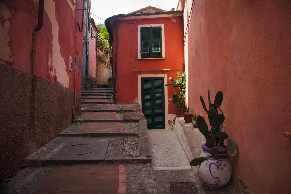 julia-laffaille-focus-aventure-italie-lerici-rue