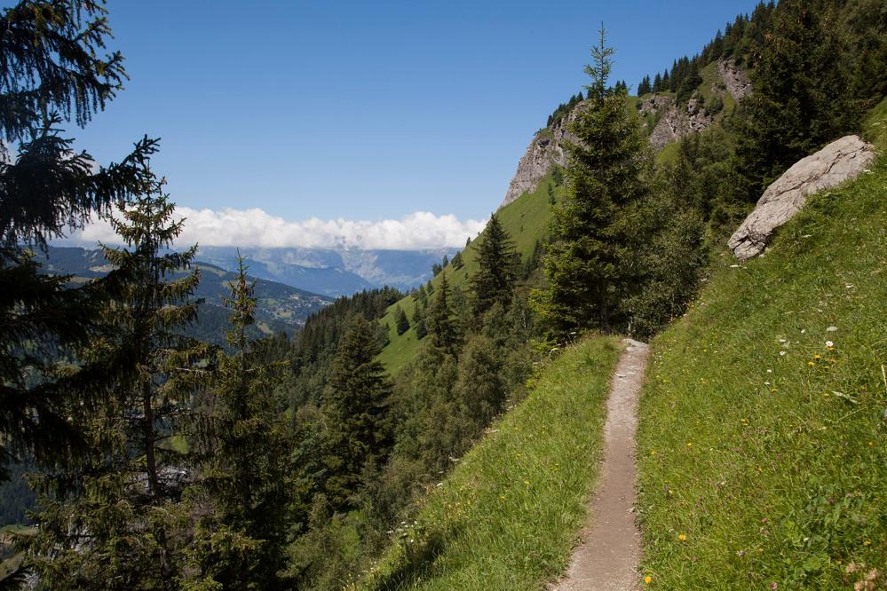 julia-laffaille-focus-aventure-savoie-mont-blanc-randonnée