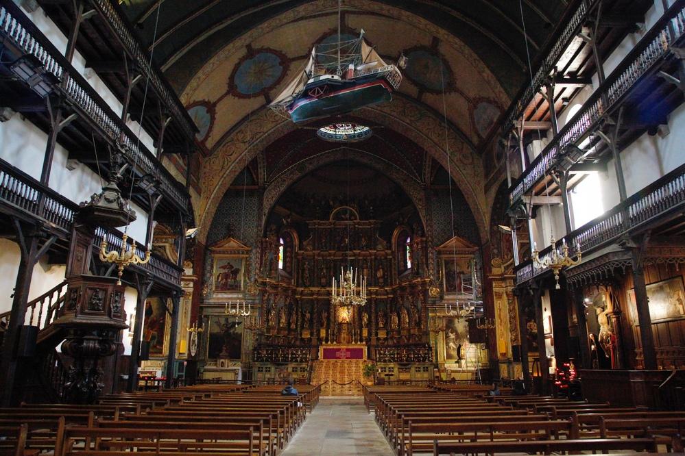 julia_laffaille_focus_aventure_pays_basque-saint-jean-de-luz-eglise_saint_jean_baptiste